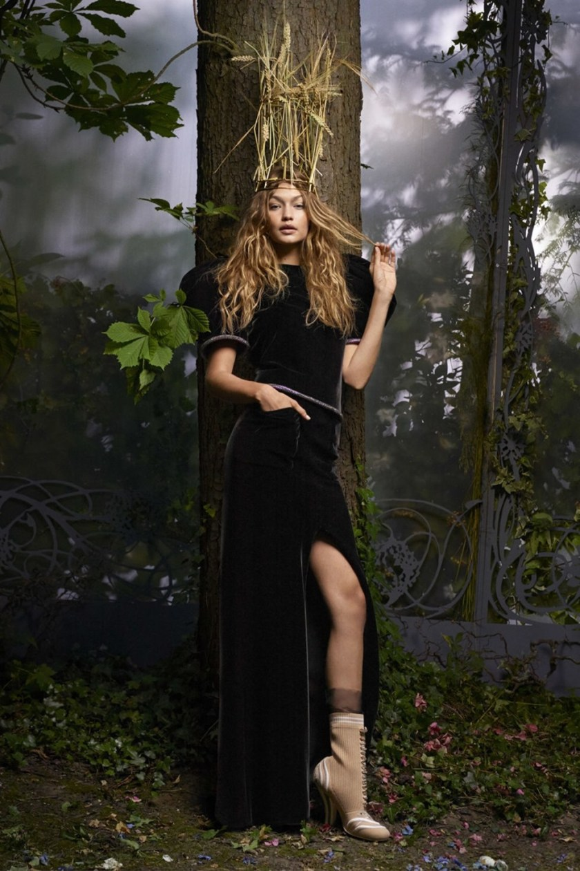 HARPER'S BAZAAR MAGAZINE Gigi hadid by Karl Lagerfeld. October 2016, www.imageamplified.com, Image Amplified (3)