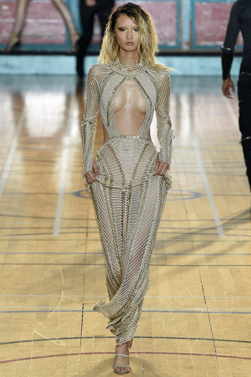 LONDON FASHION WEEK Julien Macdonald Spring 2017. www.imageamplified.com, Image Amplified (38)