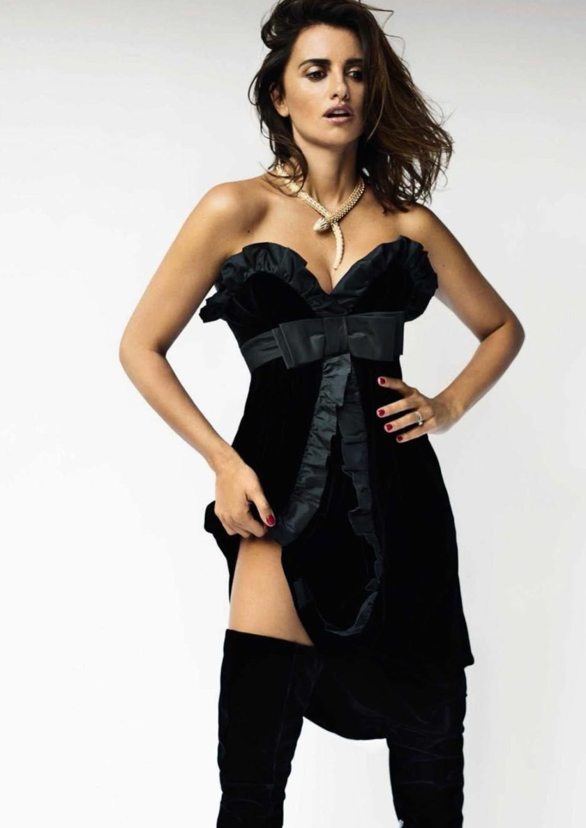 VOGUE SPAIN Penelope Cruz by Mario Testino. Anastasia Barbieri, December 2016, www.imageamplified.com, Image Amplified9