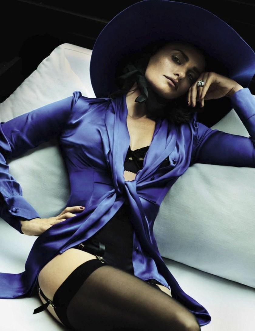 VOGUE SPAIN Penelope Cruz by Mario Testino. Anastasia Barbieri, December 2016, www.imageamplified.com, Image Amplified6