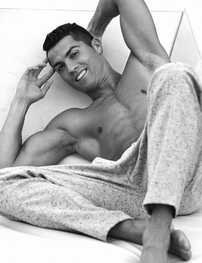 DSECTION MAGAZINE Cristiano Ronaldo by Philippe Vogelenzang. Fall 2016, www.imageamplified.com, Image Amplified1