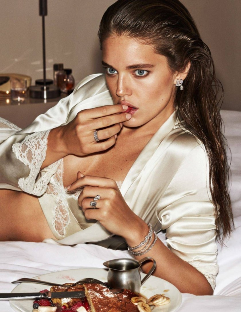 VOGUE PARIS Emily DiDonato by Alique. Celia Azoulay, May 2017, www.imageamplified.com, Image Amplified5