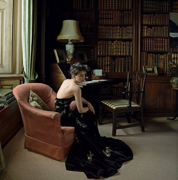 VOGUE MAGAZINE Rooney Mara by Annie Leibovitz. Tonne Goodman, October 2017, www.imageamplified.com, Image Amplified4