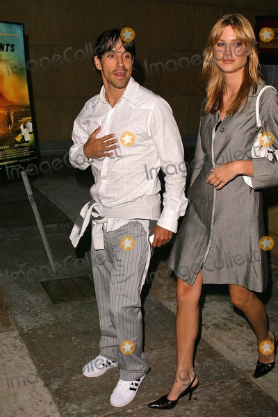 Photos And Pictures Anthony Kiedis And Girlfriend