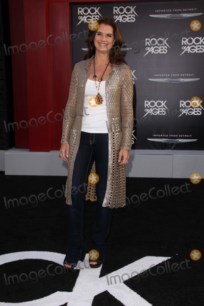 Photos and Pictures - Brooke Shields at the World Premiere ...