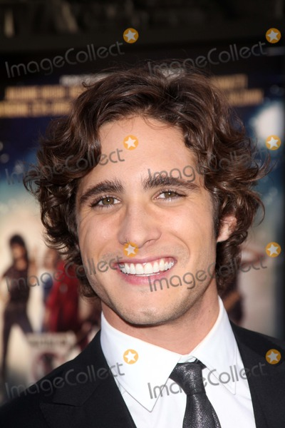 Photos and Pictures - Diego Boneta at the World Premiere ...