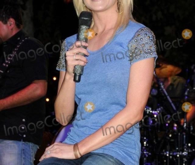 The Grove Summer Concert Series 2012 Kellie Pickler Gloriana Tyler Hilton Held At The Grove Photo Credit Byron Purvis Admedia