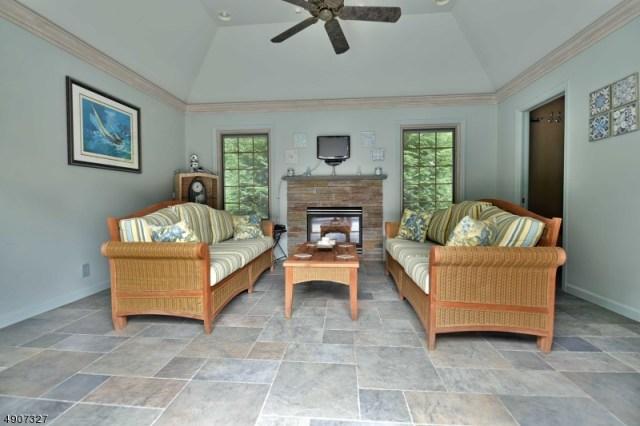 Property for sale at 2 Toboggan Ridge Rd, Saddle River Boro,  New Jersey 07458