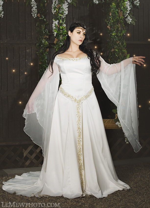 Lord of the rings wedding inspiration part 1 breecraft for Elven inspired wedding dresses