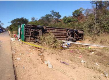 Tombamento de ônibus deixa 10 mortos e dezenas de feridos na BR-135, no Piauí