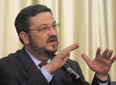 Comissão do PT suspende decisão sobre desfiliação de Palocci