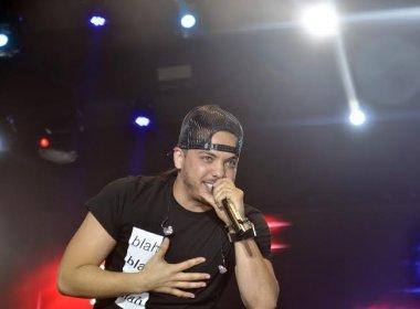 Safadão lança música nova em show na Praia do Forte; Ouça 'A Dama e o Vagabundo':