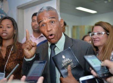 Isidório conclama candidatos a não irem para debate na TV Bahia: 'Neto nos desrespeitou'