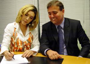 Márcia e o diretor executivo comercial da Band Marcelo Mainardi