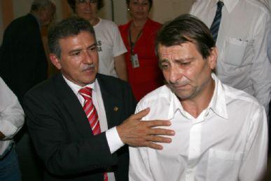 O senador José Nery (PSOL-PA) visita Cesare Battisti na prisão nesta terça-feira
