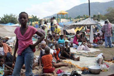 Foto: Julien Tack/ AFP - Tragédia pode ter matado até 50 mil pessoas