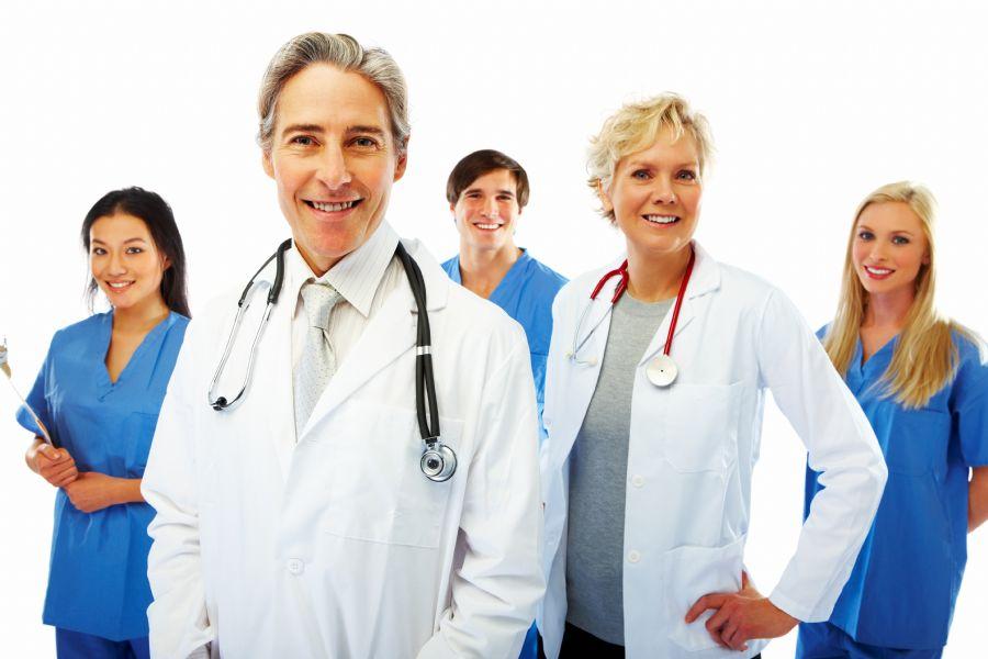 A Liga investiga sobre a chegada de médicos estrangeiros