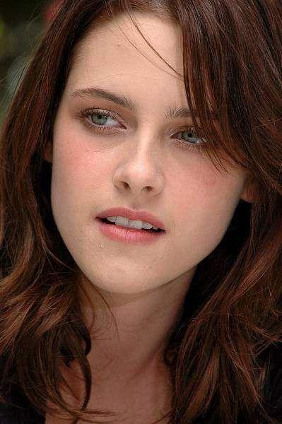 A atriz Kristen Stewart tem medo da obsessão dos fãs de