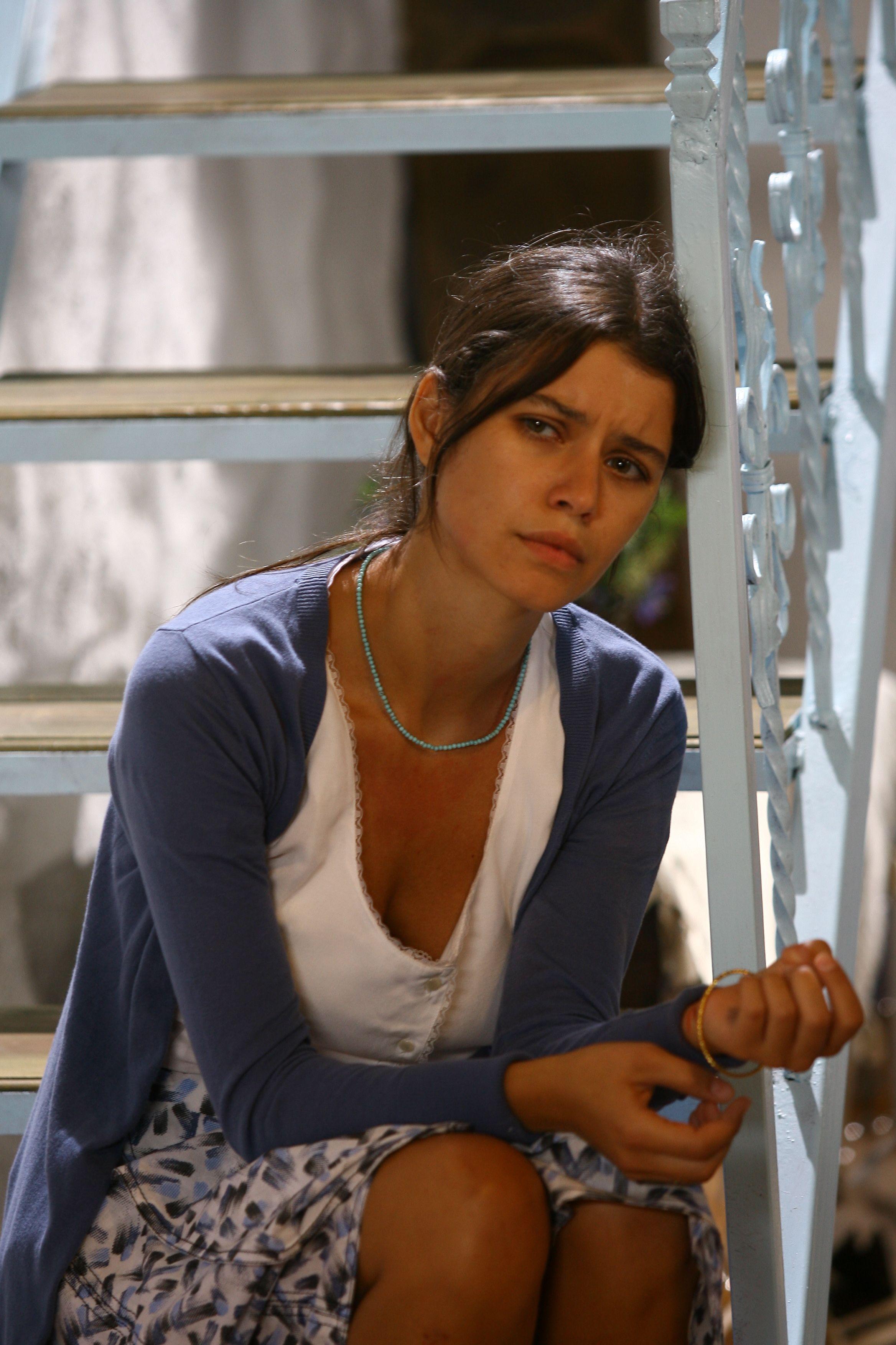 Fatmagül é uma jovem camponesa que terá muitas reviravoltas em sua vida /