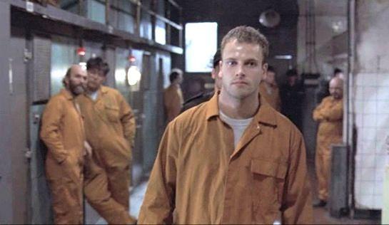 Jonny Lee Miller da vida a Denis no filme  /