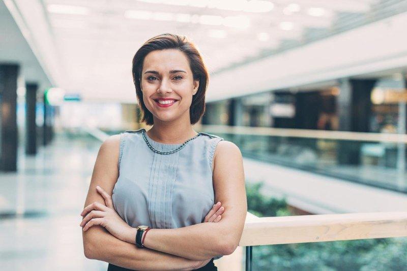 Qual a diferença entre consultor comercial e de vendas?