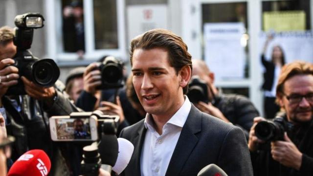 Terremoto político en Austria: el canciller Sebastian Kurz dimite en pleno escándalo de corrupción