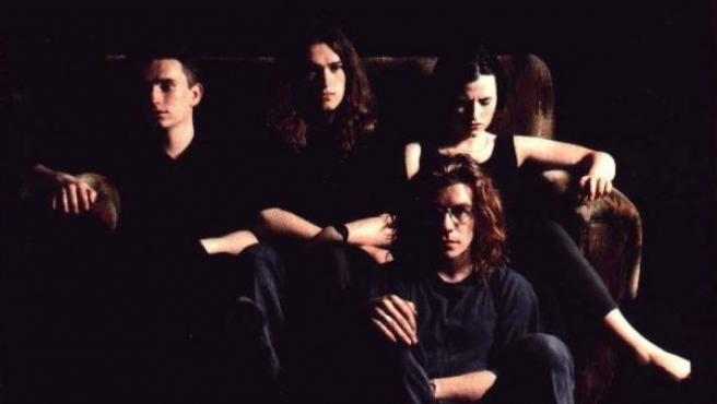 Portada de 'Everybody Else Is Doing It, So Why Can't We?', el primer álbum de la banda The Cranberries