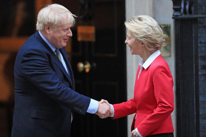 El primer ministro británico, Boris Johnson, y la presidenta de la Comisión Europea, Ursula von der Leyen