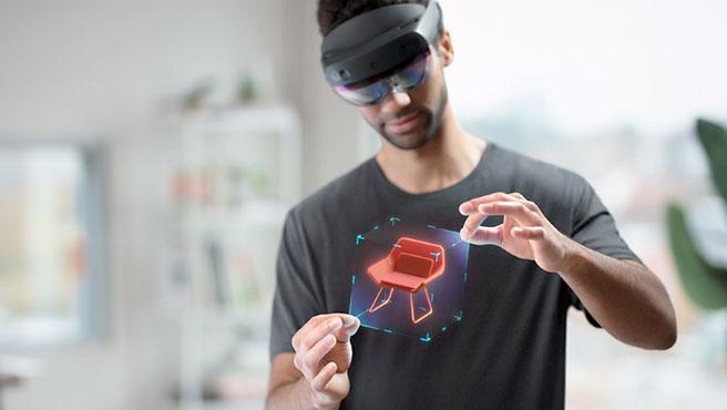El usuario moverá los hologramas de una manera natural