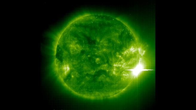 El Sol desató una poderosa llamarada el 4 de noviembre de 2003.