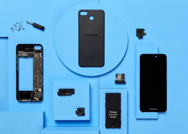 Su diseño le permite cambiar la batería o la pantalla, o incluso mejorar la calidad de su cámara con solo un destornillador.