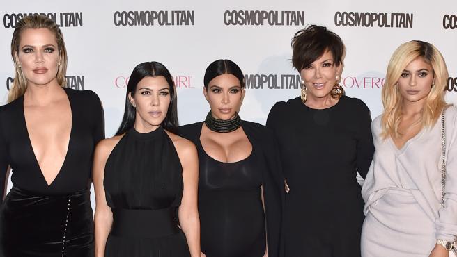 Khloe, Kourtney y Kim Kardashian y Kris y Kylie Jenner, en 2015.