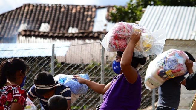Reparto de kits en Guatemala
