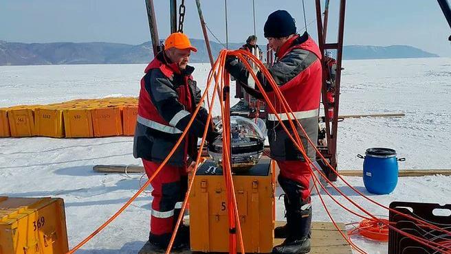 El telescopio se situará a 1.000 metros bajo el agua para observar el Universo.