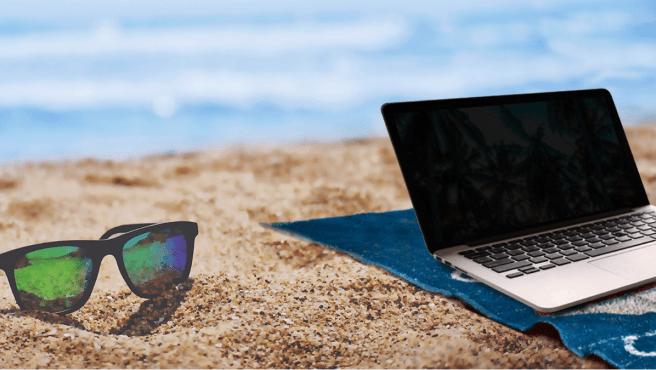Teletrabajar desde la playa es más fácil con estos dispositivos electrónicos.