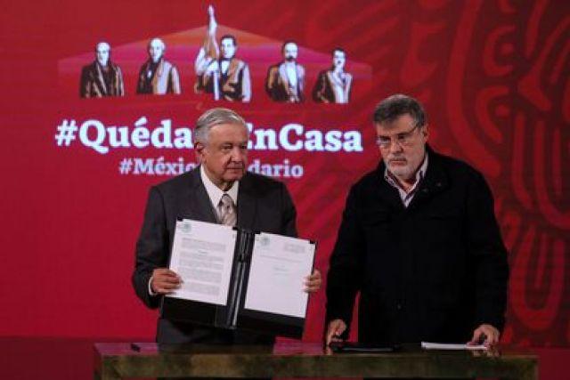 El presidente de México acompañado de Julio Scherer Ibarra en octubre de 2020.
