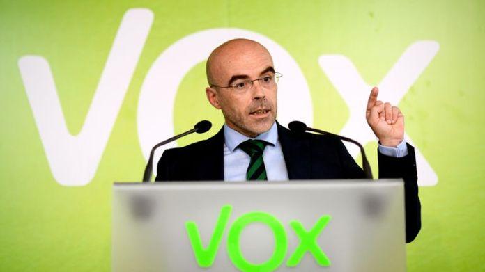 Vox pide que buques de guerra impidan la llegada de pateras a Canarias |  España | EL PAÍS
