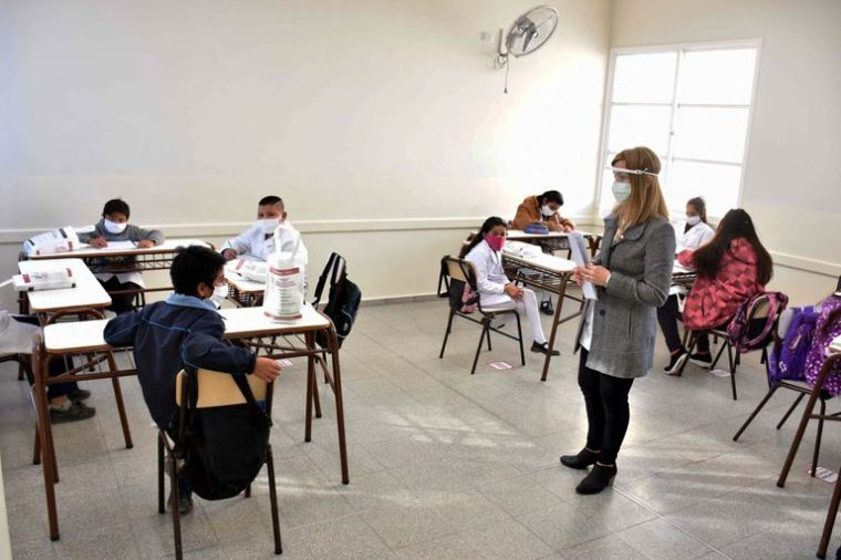 El 72% de los adolescentes de Argentina quiere volver a las aulas | Planeta  Futuro | EL PAÍS