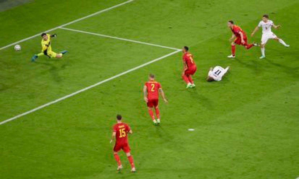 Nicolo Barella beats Courtois in 1-0 action against Belgium.