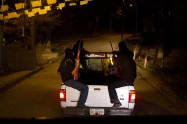 Pobladores del Municipio de Ayutla de los libres en Guerrero, México. combaten por mano propia  al crimen organizado en su región.
