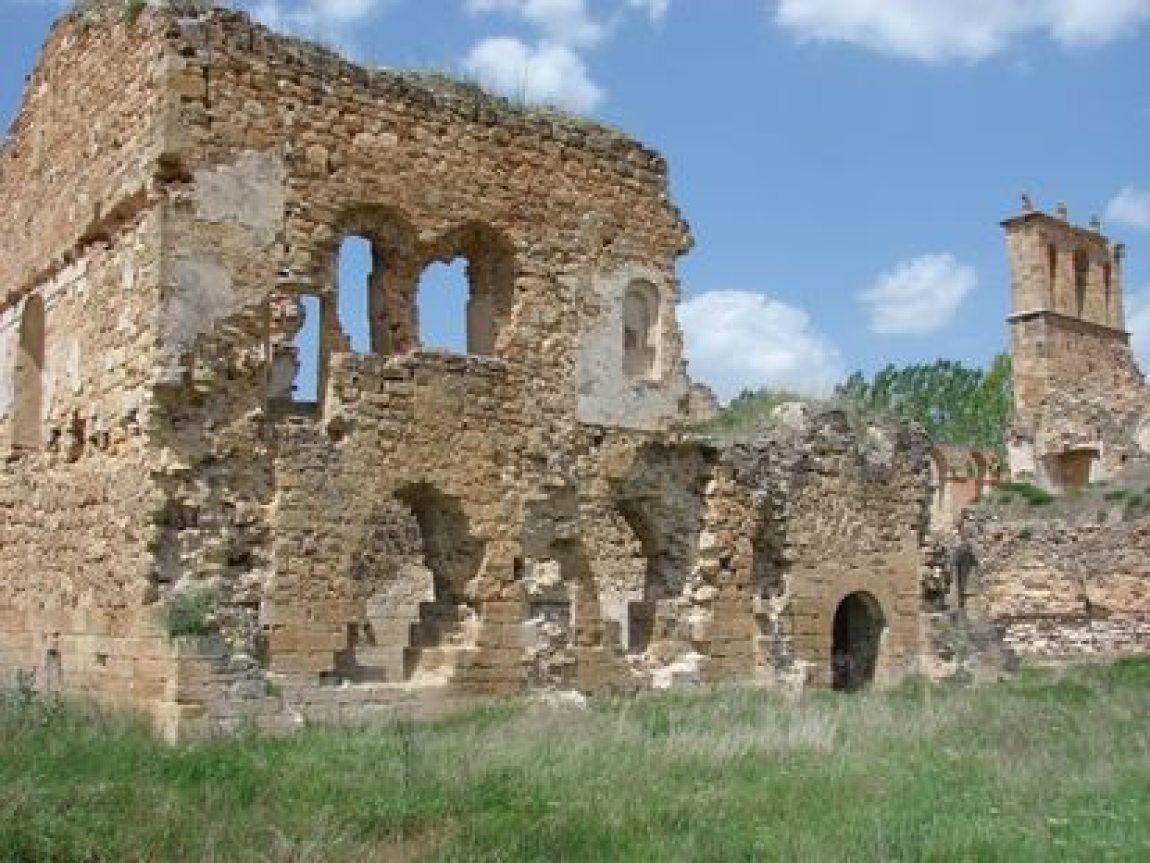 Remains of the convent of Santa María de Óvila, in Trillo (Guadalaraja).