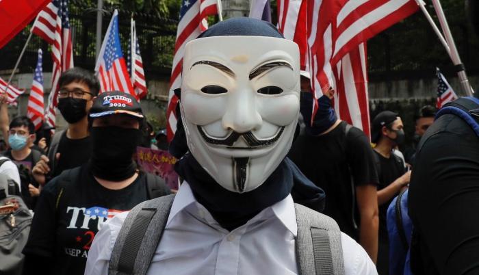 Anonymous amenaza a Estados Unidos tras la muerte de George Floyd