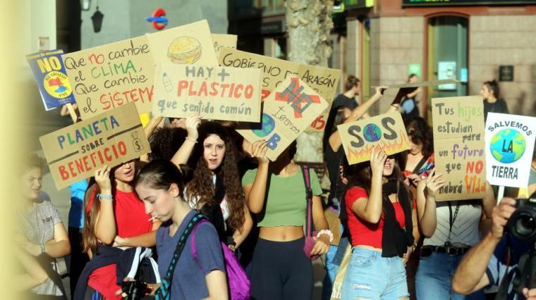 Marcha por el clima en Huesca
