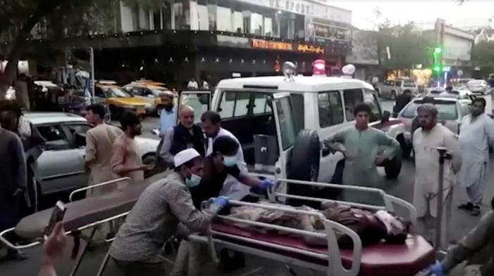 Última hora Afganistán: 95 muertos en el doble atentado en el aeropuerto de  Kabul