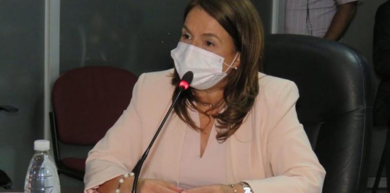 La ministra de Educación, Maruja de Gorday.