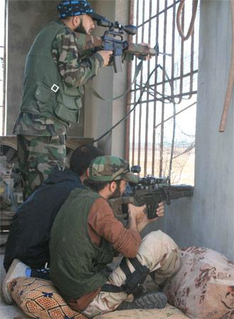 Los rebeldes del Ejército Sirio Libre en Al Qusayr tratan de diezmar al Ejército a diario. Antonio Pampliega