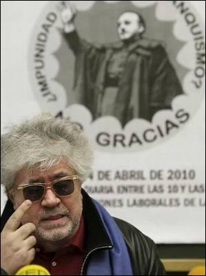 Pedro Almodóvar durante un acto para la recuperación de la Memoria Histórica.