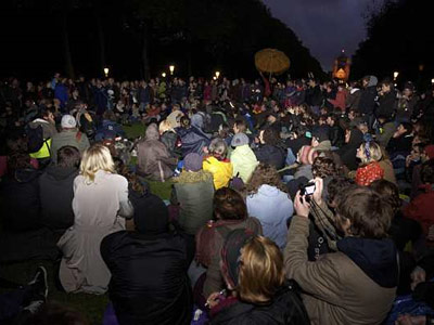 Los indignados se concentraban en el parque Elisabeth.-
