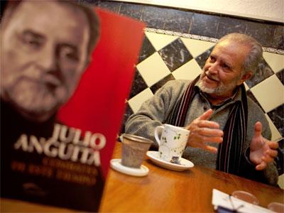 Julio Anguita durante la entrevista con Público.-Enrique Gomez/PÚBLICO
