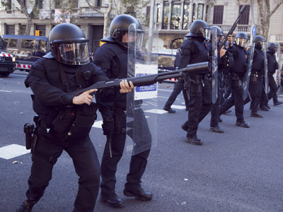 disparos antidisturbios pelotas goma plaza cataluña